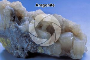 Aragonite. Sicilia. Italia