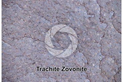 Trachite Zovonite. Veneto. Italia. Sezione lucida. 2X