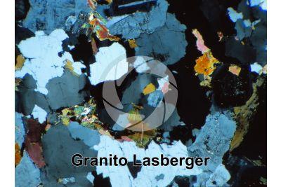 Granito Lasberger. Austria. Sezione sottile in luce polarizzata a Nicol incrociati. 32X
