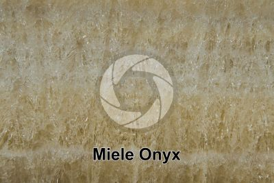 Miele Onyx. Iran. Polished section. 1X
