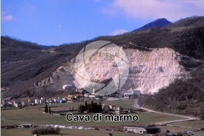 Marmo. Cava. Zandobbio. Lombardia. Italia