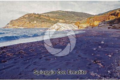 Spiaggia con Ematite. Terra Nera. Isola d'Elba. Toscana. Italia